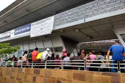 Masiva participación de venezolanos en último día del censo en Bucaramanga