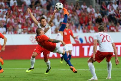 Polonia igualó 2-2 con Chile en primer partido preparatorio antes de Mundial