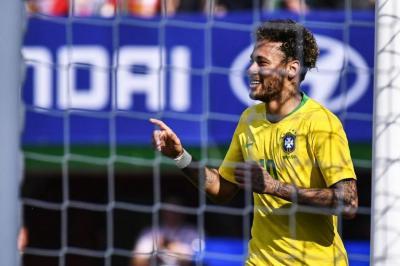 Brasil derrotó 3-0 a Austria con Neymar como titular