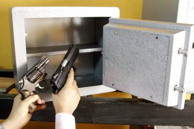 Crece escándalo: 50 armas de fuego fueron robadas de la Dirección Tránsito de Bucaramanga