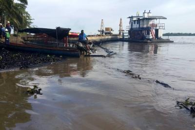 Más de tres kilómetros del río Magdalena, afectados por crudo