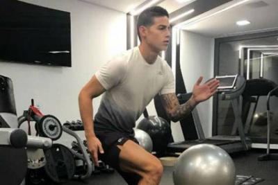James Rodríguez tiene 'fatiga muscular' y no se entrenó con Colombia