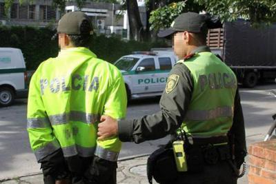 Agente de la Policía en Santander fue acusado de abusar de su hija