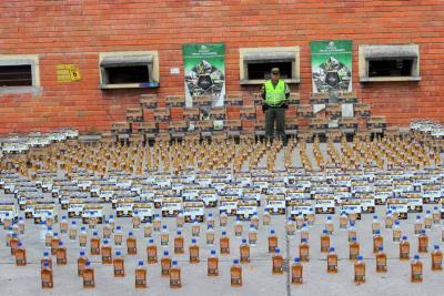 Incautan 6.500 botellas de licor de contrabando en Bucaramanga