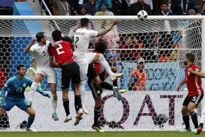 Uruguay venció a Egipto y dio su primer paso a octavos