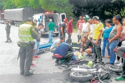 Motociclista en Bucaramanga perdió una pierna tras un accidente de tránsito