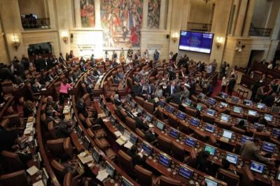 Por petición de la bancada uribista, aplazan reglamentación de la JEP en el Congreso