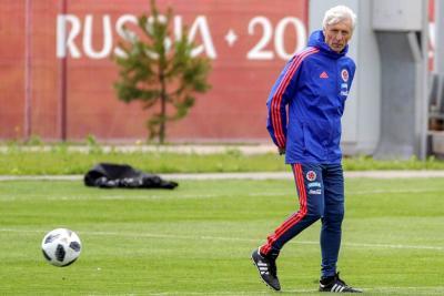 Presencia de James Rodríguez en partido contra Japón se sabrá el martes: Pékerman