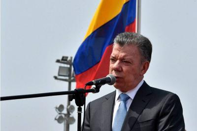 """""""La paz debe estar por encima de los cálculos políticos"""": presidente Santos"""