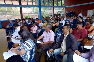 Colegios oficiales se comprometen con la educación inclusiva