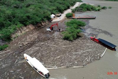 Extracción de 'islas de madera' en el río Sogamoso en Santander tardará tres meses