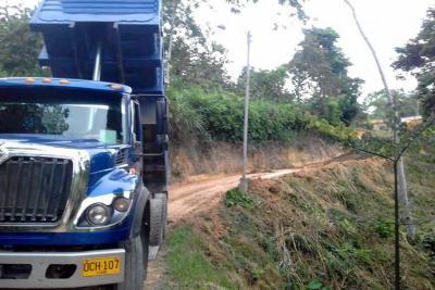 La Alcaldía de Lebrija arregla las vías rurales