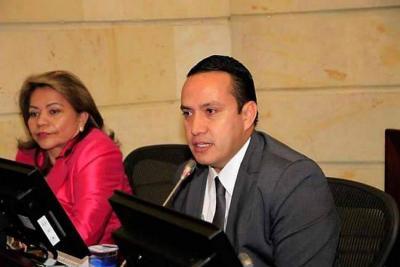 Mauricio Aguilar renunció a su curul como Senador