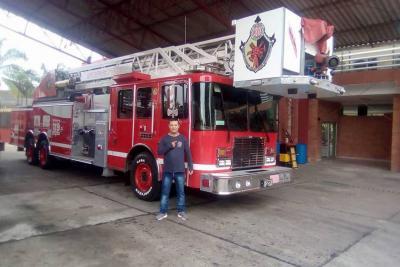Sentido adiós a bombero que murió en accidente vial