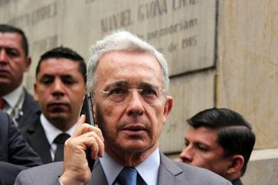 Álvaro Uribe dice que investigaciones por corrupción a su partido hacen daño