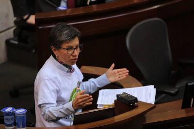 Así fue la fuerte pelea entre senadora Claudia López e integrantes del Centro Democrático