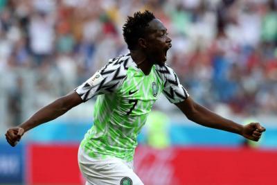 Nigeria venció 2-0 a Islandia y favoreció a Argentina