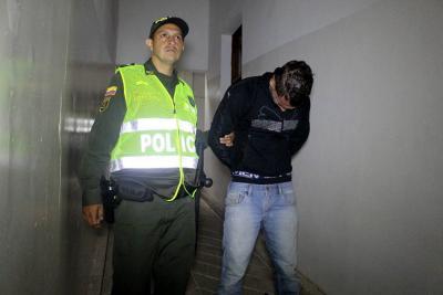 Capturados dos hombres por el hurto de un celular en Bucaramanga