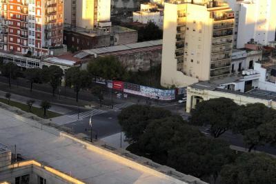 Argentinos realizan huelga general contra la política económica de Macri