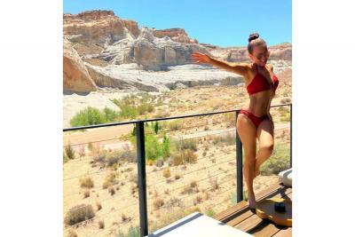 ¡Sexy bikinazo de Thalía sube la temperatura en  las redes!