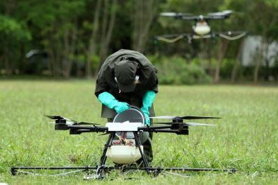 Santos afirmó que aspersión de glifosato con drones no afecta la salud de comunidades