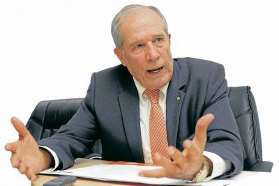 Alberto Montoya Puyana renuncia a rectoría de la Unab