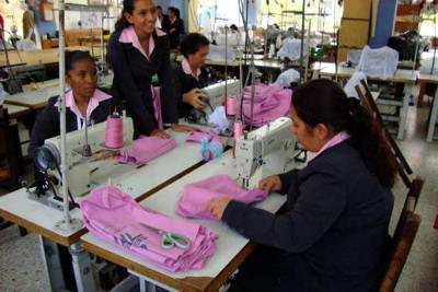 Confecciones y calzado representan más del 40% de las aprehensiones de la Dian en Santander