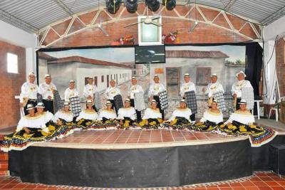 Grupo de danzas de la tercera edad se fue para Tolima