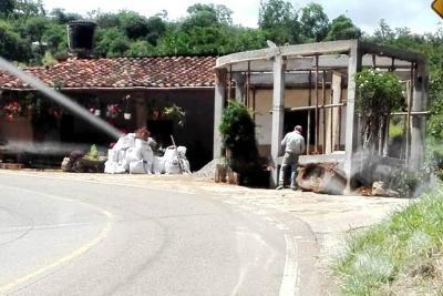 Obra en cemento genera malestar en Barichara