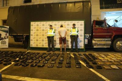 Policía interceptó un 'narcocamión' con 130 kilos de marihuana en Santander