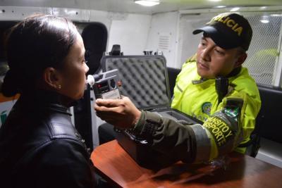 Cada media hora se detiene un borracho al volante en Colombia