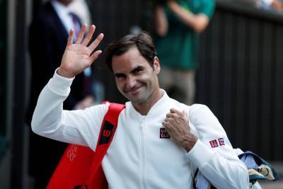 Federer arrancó firme en conquista de su 9° título en Wimbledon