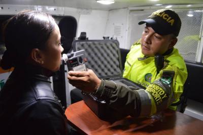 Cada media hora las autoridades detienen un borracho al volante en Colombia
