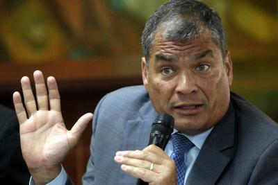 Correa se presentó ante Consulado en Bruselas para cumplir con la Fiscalía