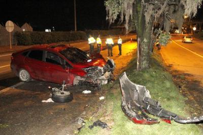 Un muerto y cuatro heridos dejó choque en la autopista