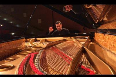 Santandereano gana Premio Mundial de Piano en Francia