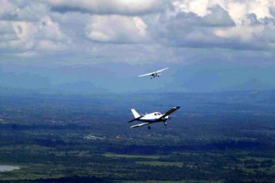 Compañías de taxis aéreos podrán comportarse como aerolíneas: Aerocivil