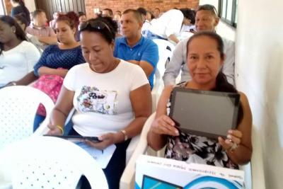 Docentes de Puerto Wilches recibieron 95 tabletas digitales