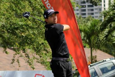 Santiago Rivas es líder entre los profesionales