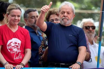 Expresidente de Brasil, Lula de Silva, quedó en libertad