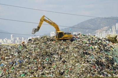 """Ambiente conciliador para solucionar una eventual """"crisis sanitaria"""" en Santander"""