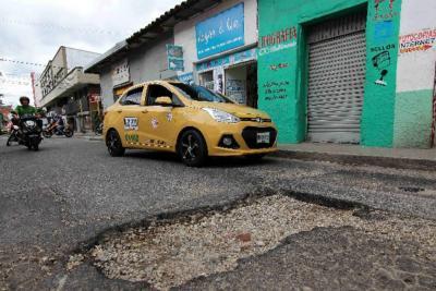 A finales de julio, iniciará contrato para tapar 327 huecos en Bucaramanga