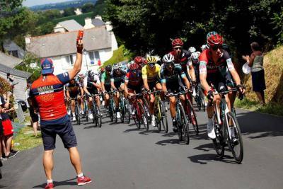 Sagan alcanza  su doblete en Quimper y Avermaet sigue líder
