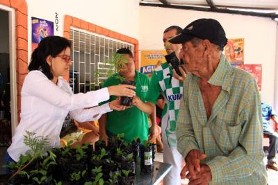 Programas sociales benefician a la población campesina local