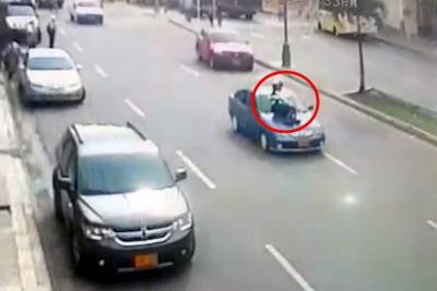 Vídeo registró el momento en el que alférez es arrastrado por conductor infractor