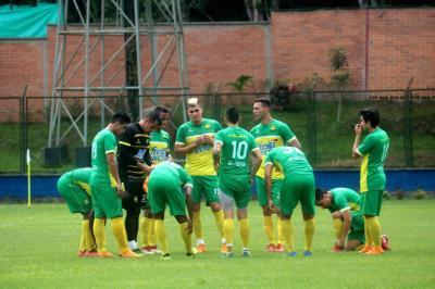 Luis Delgado, arquero del Atlético Bucaramanga, sufrió una grave lesión