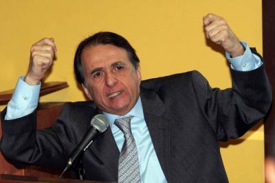 Alberto Santofimio se acerca a la JEP para buscar su libertad