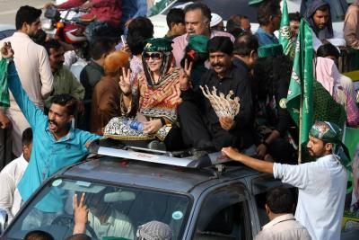 Pakistán vive una jornada sangrienta con 132 muertos en dos atentados en campaña electoral