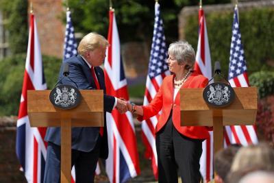 Trump y May buscan acuerdo comercial