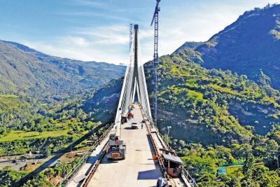 El puente Hisgaura pone en alto la región